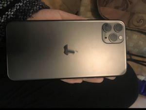 iPhone 11 max Pro for Sale in Oxon Hill-Glassmanor, MD