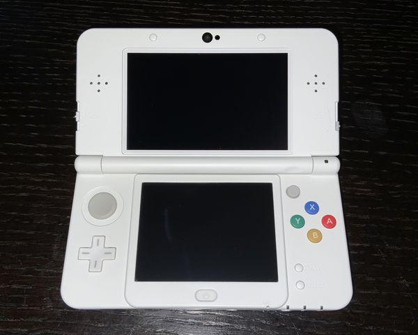 New Nintendo 3DS Super Mario White Edition