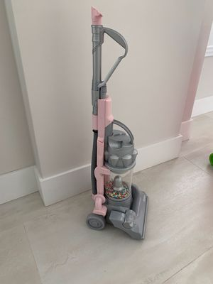 Dyson kids play vacuum for Sale in Miami, FL