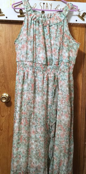 22/24 plus size pastel floral maxi dress for Sale in Dublin, GA