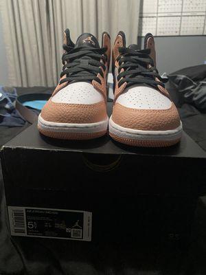 Quartz Pink Jordan 1 5.5Y for Sale in Houston, TX