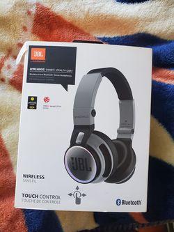 JBL Wireless Headphones for Sale in Los Angeles,  CA