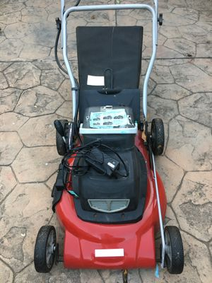 Cordless battery lawnmower craftsman for Sale in San Jose, CA