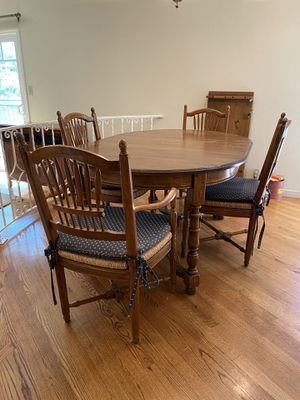 Free table and chairs for Sale in Los Altos Hills, CA