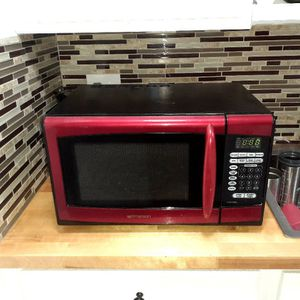 Emerson Red Microwave for Sale in Houston, TX