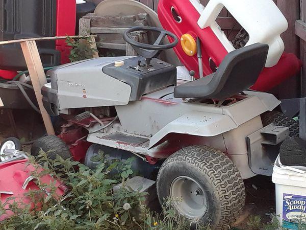 Murray riding lawn mower