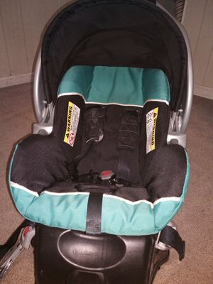 Infant car seat carrier by baby trend for Sale in Plymouth, PA