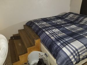 King size bed for Sale in Pinellas Park, FL