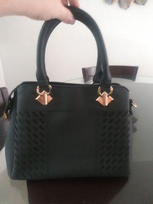 Forever 21 black purse for Sale in Miami, FL