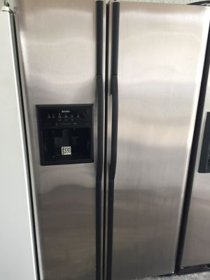 "Kenmore stainless steel refrigerator 36""W in excellent condition plus 6 months warranty for Sale in Pompano Beach, FL"