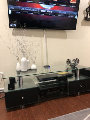 Contemporary tv stand for Sale in Las Vegas, NV