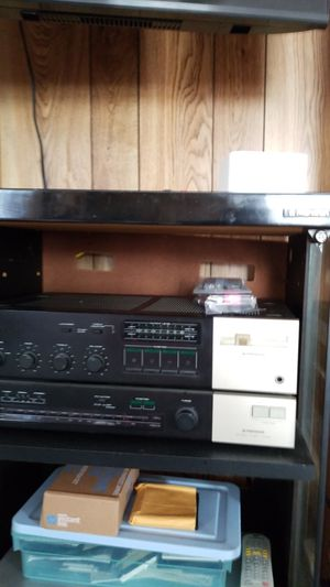 Vintage pioneer radio and reciever with housing trying to find the record player for Sale in Lexington, KY
