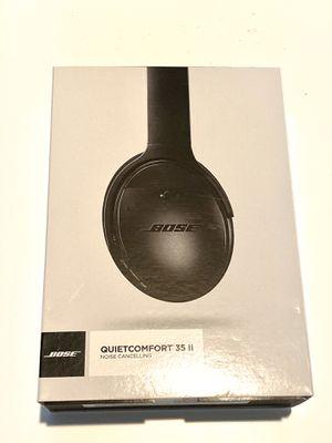 Like new Bose QC35ii headphones for Sale in Chandler, AZ