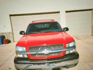 Owner truck, Chevrolet Avalanche 2003! for Sale in Columbus, GA