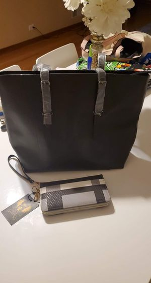 Set bag and wallet for Sale in Chicago, IL