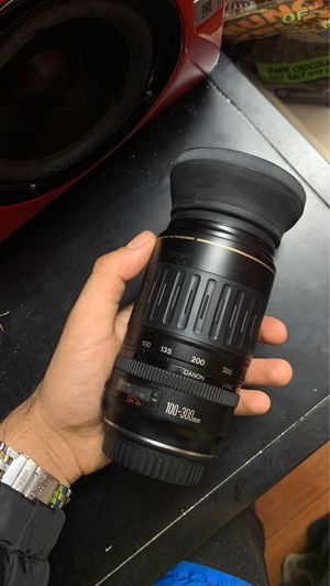 Canon 100-300mm for Sale in Los Angeles, CA