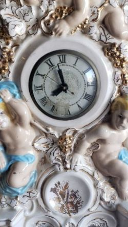 vintage Lanshire mantle clock cherubs angels for Sale in Moreno Valley,  CA