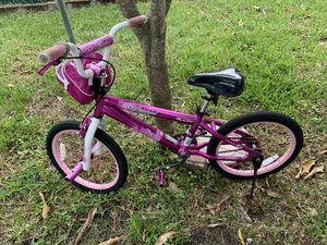 Bike with training wheels for Sale in Hallandale Beach, FL