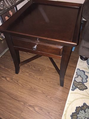 Coffee table and end table for Sale in Austin, TX