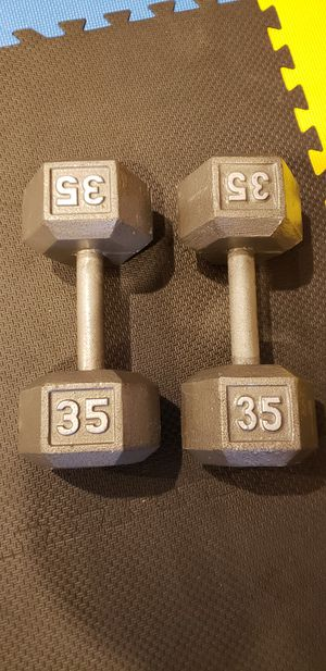 Pair of 35 lbs iron casted hex dumbbells for Sale in Skokie, IL