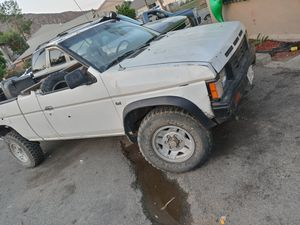 Nissan 87 4×4 for Sale in Colton, CA