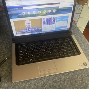 Red Dell Laptop for Sale in Palmdale, CA