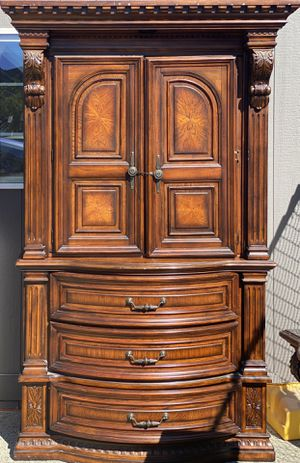 Cherry wood bedroom set for Sale in Tacoma, WA