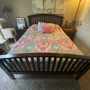 Queen Size Bed w/ Free Mattress and Box Spring for Sale in Tualatin, OR