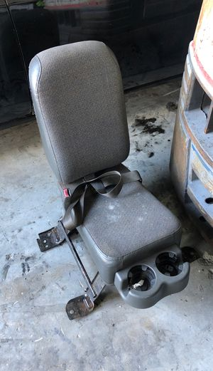 2003 Chevy Gmc Silverado Sierra center jump seat non console for Sale in Hialeah, FL