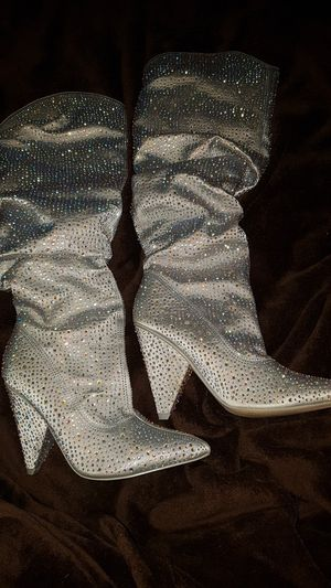 Knee high pointed toe boot heels for Sale in Detroit, MI