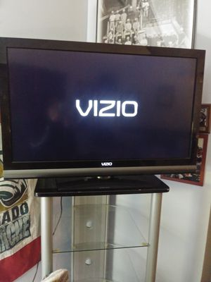 """37"""" Vizio TV with Remote for Sale in Indian Hills, CO"""