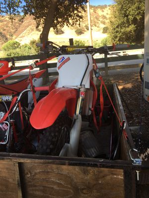 HONDA 2004 CRF 450 r clean only 20 hour ridin one owner my pops for Sale in Hollister, CA
