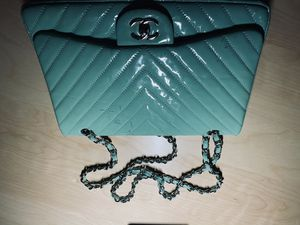 Chanel Classic Patent Leather handbag for Sale in Tampa, FL