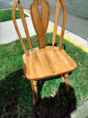 Single chair for Sale in Alexandria, VA
