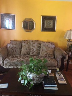 Sofa and loveseat for Sale in Macon, GA