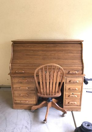 Desk with chair for Sale in Bakersfield, CA