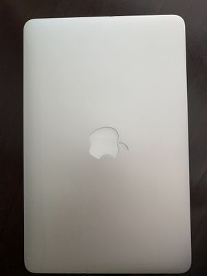 """Pristine condition 2014 Macbook Air 11"""" with Core i5, 4GB RAM, and 121GB Flash Drive for Sale in Los Angeles, CA"""