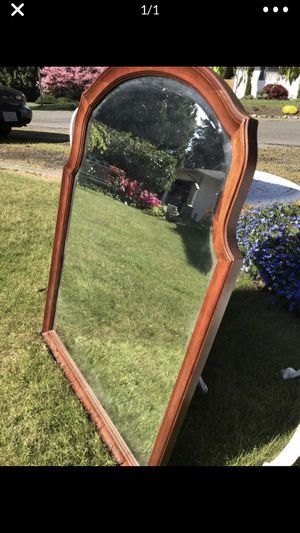 Antique mirror PRICE REDUCTION for Sale in Renton, WA