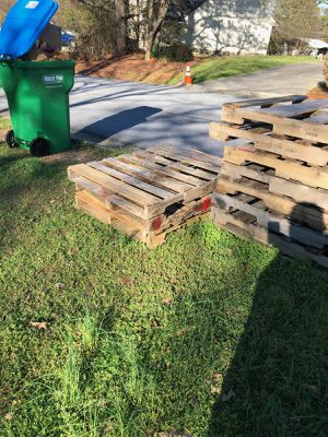 Pallets free for Sale in Austell, GA