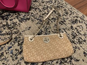 DKNY small purse for Sale in San Diego, CA