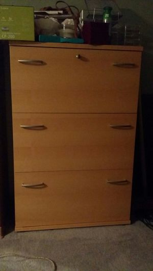 Locking 3 drawer vertical file cabinet for Sale in Austin, TX