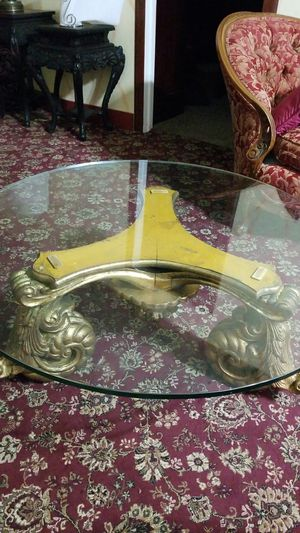 Coffee table antique for Sale in Detroit, MI
