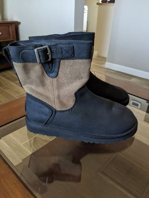 Ugg boots size 4 girl for Sale in Laveen Village, AZ