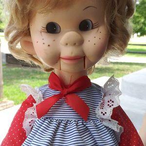 Tessie Talk Ventriloquist Doll for Sale in Wichita, KS