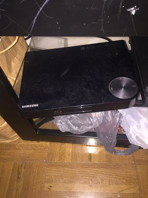 Pictures, lamps DVD player blue ray dvds etc; for Sale in Baltimore, MD