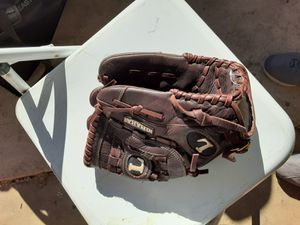 Louisville slugger Baseball Glove for Sale in City of Industry, CA