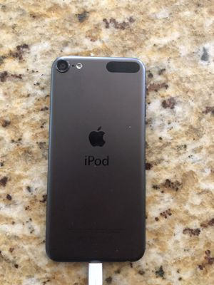 iPod touch 6 generation for Sale in Upton, MA