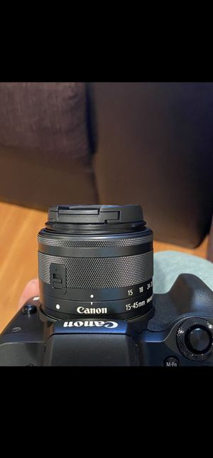 EOS M50 works fine and comes with charger and bags for Sale in Mechanicsville, MD