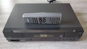 Toshiba W-522 4Head VCR with remote for Sale in Lutz, FL