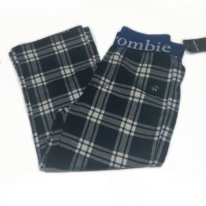 NWT Abercrombie Kid Plaid Pajama Bottoms 3/4 for Sale in East Hartford, CT